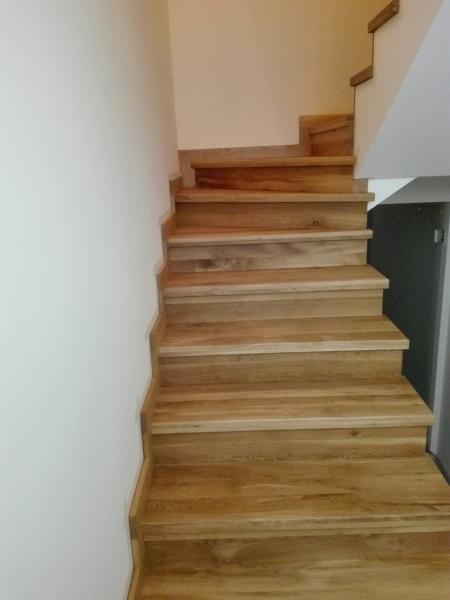 Масивни слепени дъбови стъпала 4 см дебелина